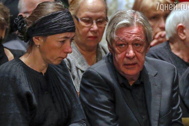 Ефремова увезли из Москвы, не дав повидаться с женой