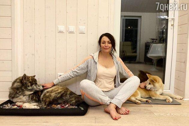 Екатерина Волкова со своими питомцами