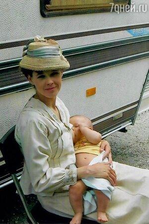«Все проходило легко»: Катерина Шпица после свадьбы показала фото с младенцем на руках