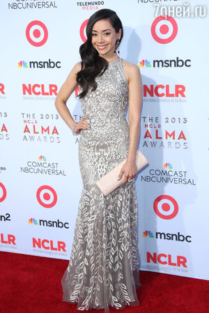 Эйми Гарсия в платье Naeem Khan на церемонии NCLA ALMA Awards 2013