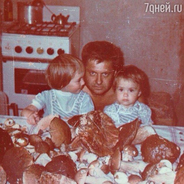 «Похожи до жути»: Прилучный стал копией умершего отца Муцениеце