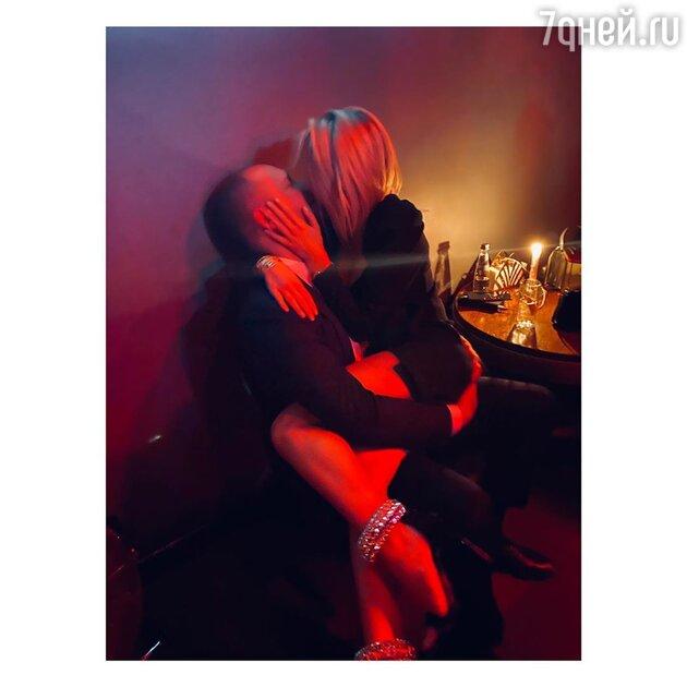 В Сети появилось фото новой возлюбленной Бондарчука