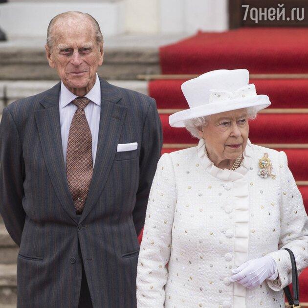 Елизавета II осталась одна: скончался принц Филипп