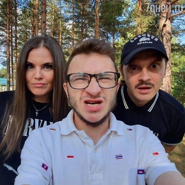 Не с Прусикиным: Солистка Little Big Софья Таюрская рассказала правду про свадьбу