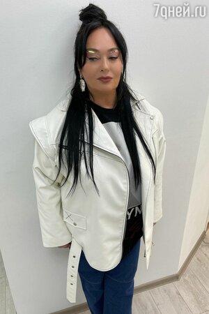 Покахонтас! Гузеева с длинными волосами и ярким макияжем помолодела на 30 лет