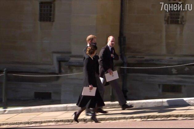 Репортеры узнали содержание тайной беседы принца Уильяма и его брата Гарри