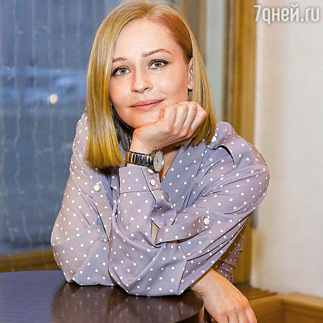 Юлия Пересильд отправила дочек во взрослую жизнь