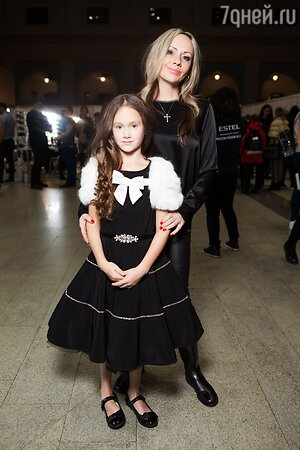 Мария Бутырская с дочерью Александрой