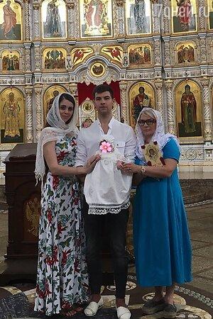 Ольга Рапунцель с мужем Дмитрием, дочкой и своей мамой Татьяной