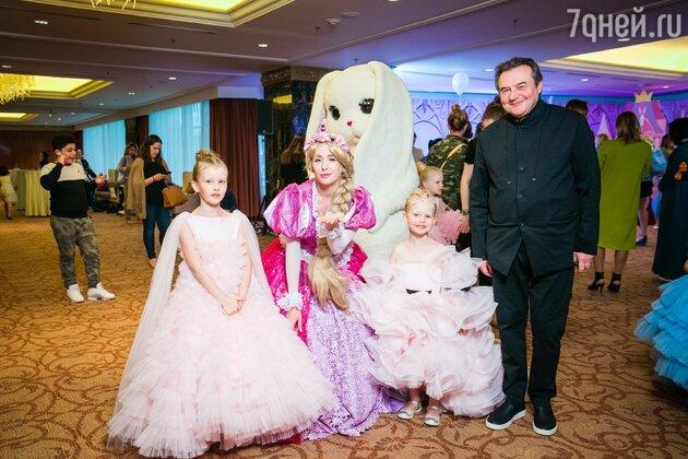 Алексей Учитель с Анной и Марией