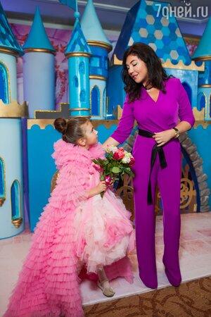 Мария Лемешева с дочкой Марфой