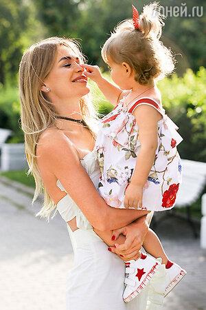 Анна с дочкой Арианной