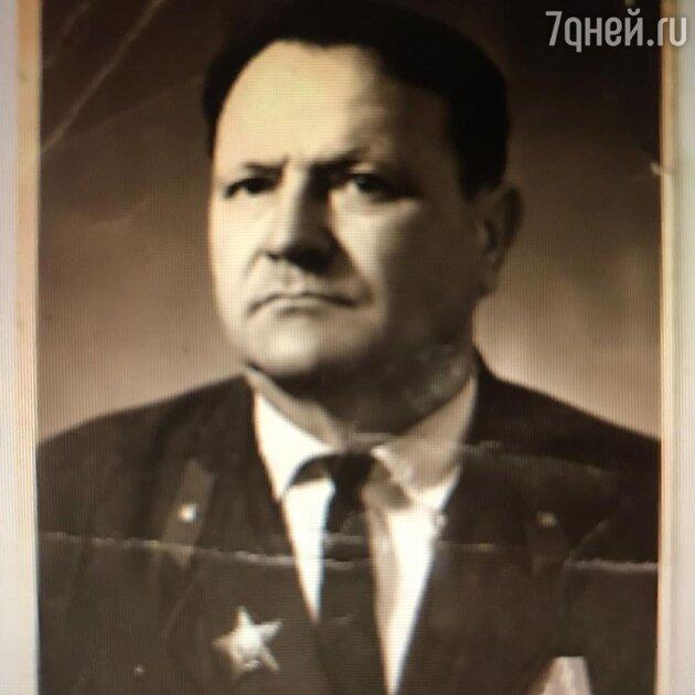 Дедушка Анастасии Макеевой — Василий Тихонович