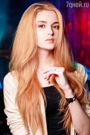Алиса Маненок