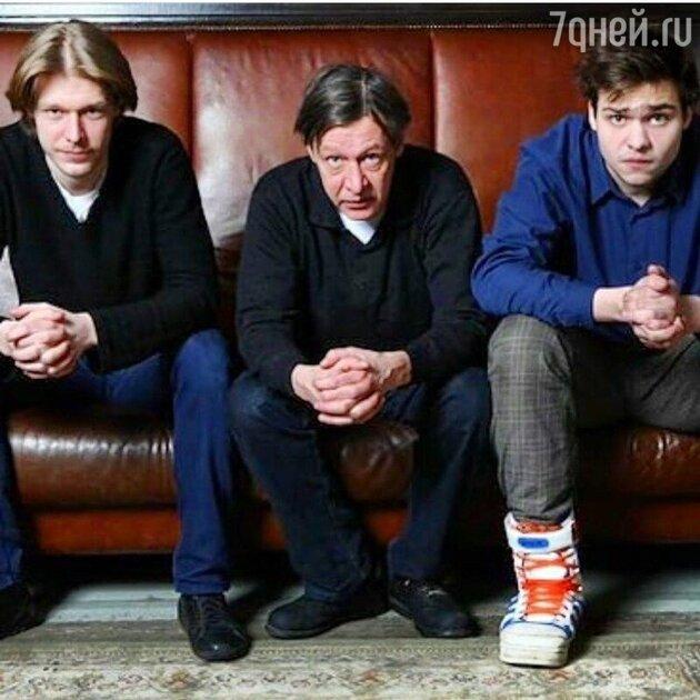 Михаил Ефремов с сыновьями Никитой и Николаем - фото