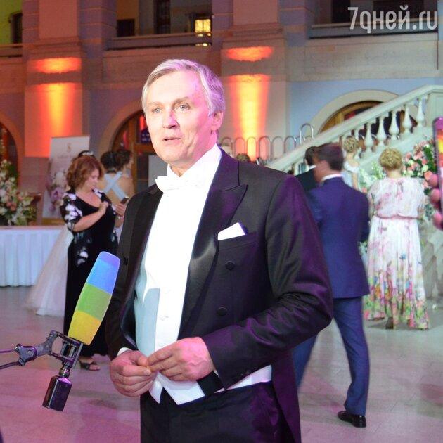 Соведущий бала Президент Российского танцевального союза Станислав Попов