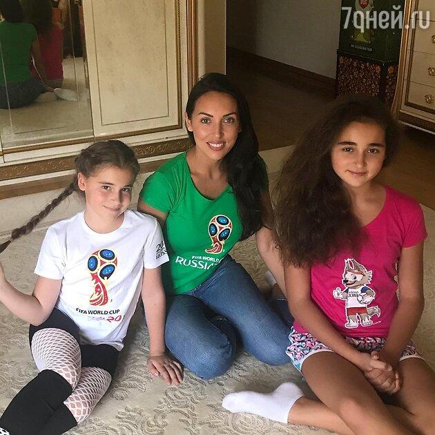 Алсу с дочками: Микеллой и Сафиной