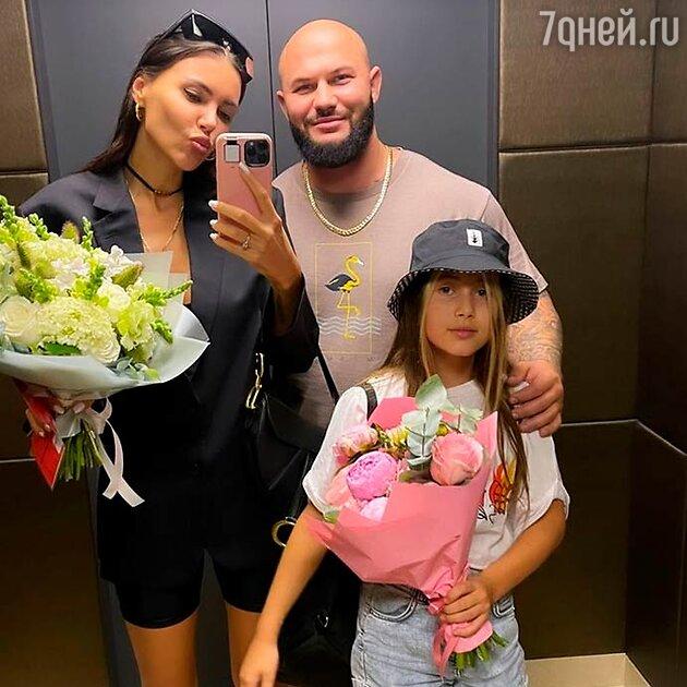 Самойлова с дочкой и Джиганом