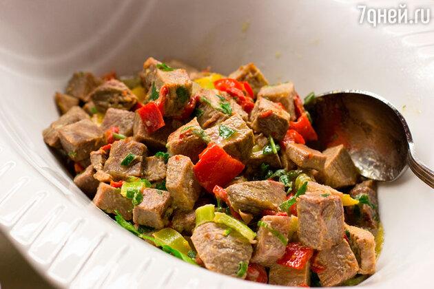 Салат с бараниной и орехами