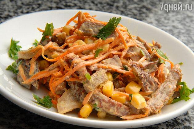 Мясной салат с кукурузой