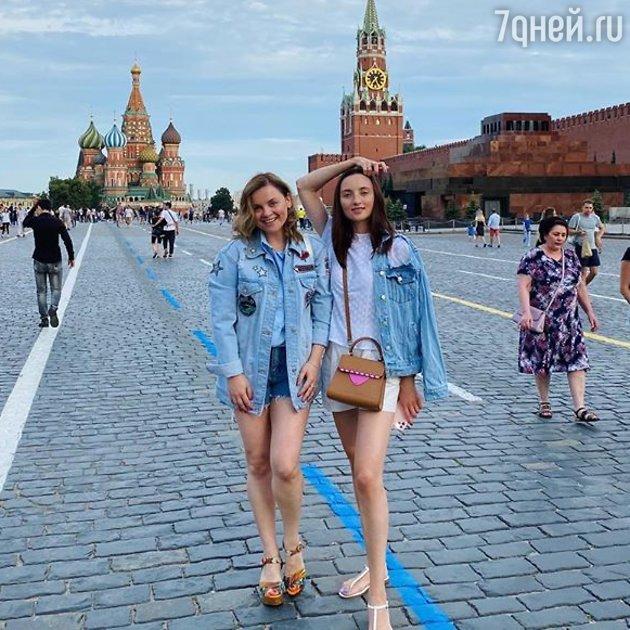 Юлия Проскурякова с сестрой Ольгой