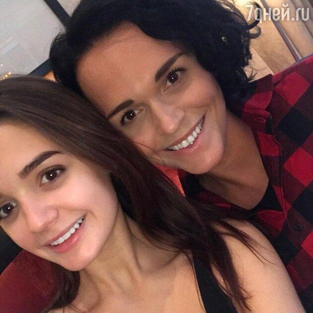 Певица Слава с дочкой Александрой
