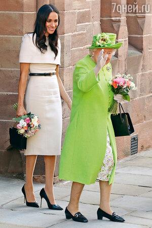 Меган Маркл с королевой Елизаветой II