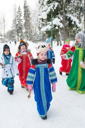 «Лиза на колядках» Дочь Пугачевой и Галкина нарядилась коровой