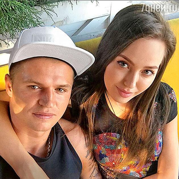 У Дмитрия Тарасова и Анастасии Костенко родилась дочка