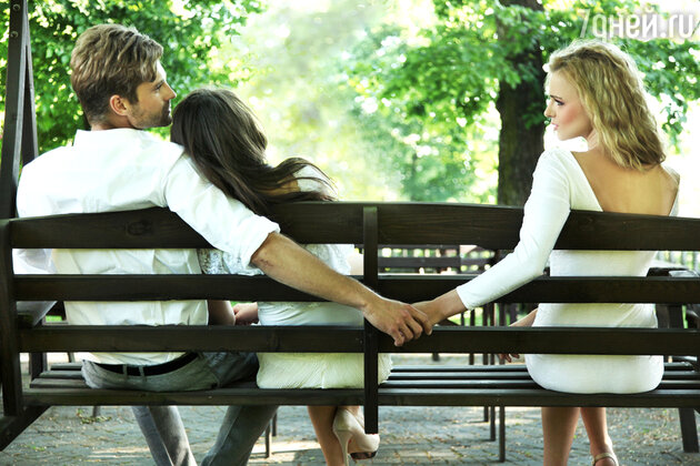 Мужчины действительно изменяют своим женщинам, не все, но многие. Причин, по которым мужчина изменяет множество