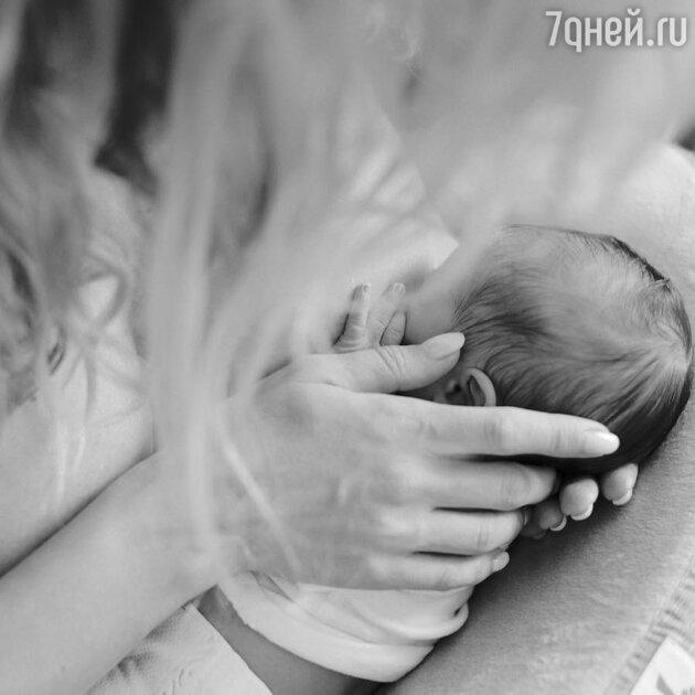 Светлана Лобода с новорожденной дочкой
