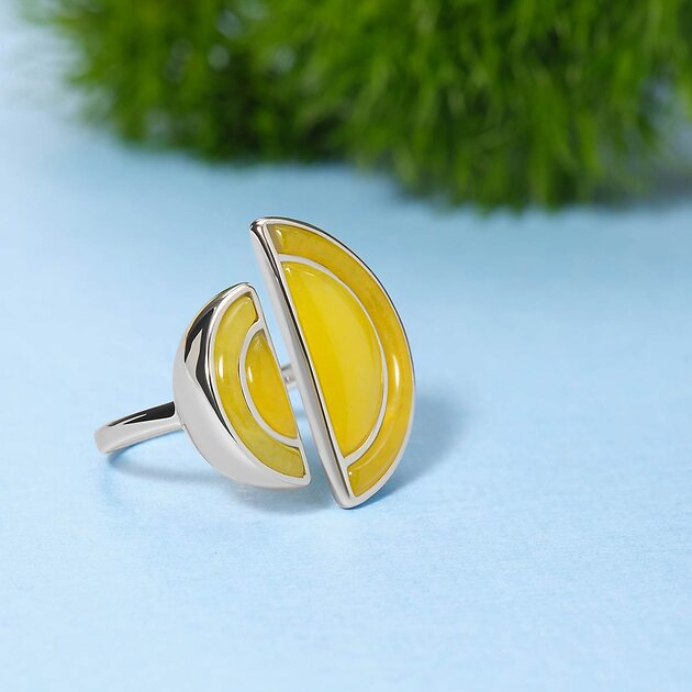 Серебряное кольцо с желтыми жадеитами