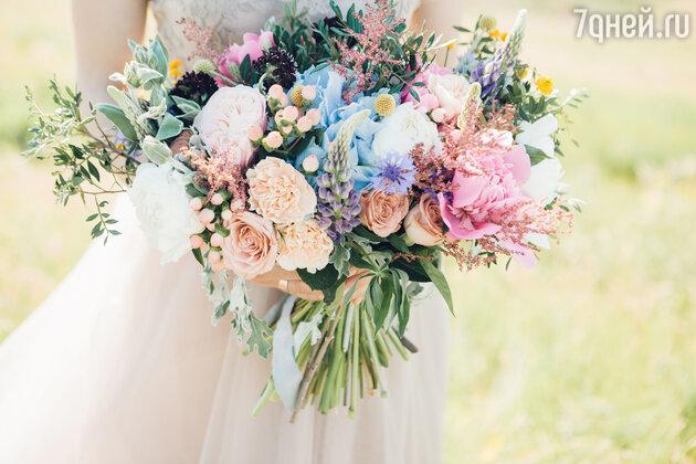 Свадебный букет: какие цветы и композицию выбрать? фото