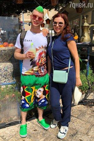 Эвелина Блёданс с сыном Николаем