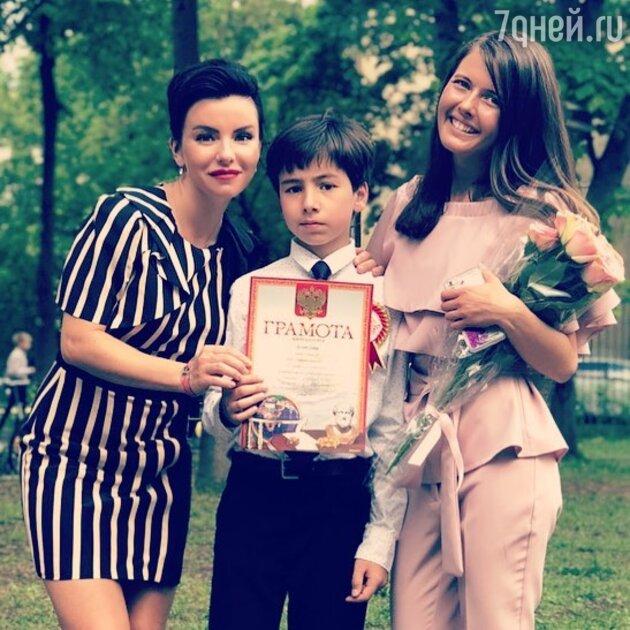 Юлия Волкова с сыном Самиром