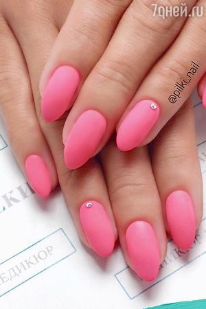 Классический розовый оттенок никогда не подведет.