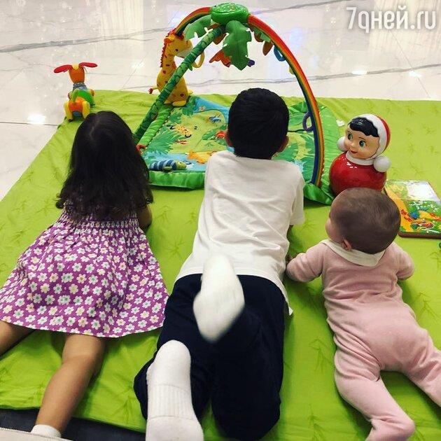 Дети Мирославы Думы: Анна, Георгий и Диана