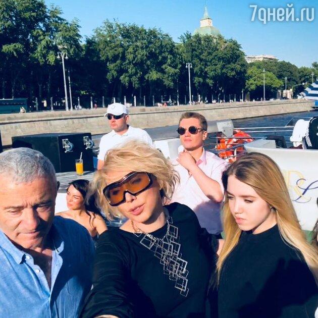 Елена Воробей отцом и дочкой
