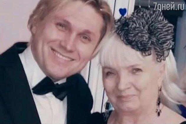 Вдова Алексея Булдакова и Эдуард Гладких