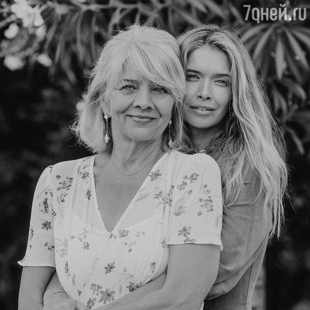Вера Брежнева с мамой