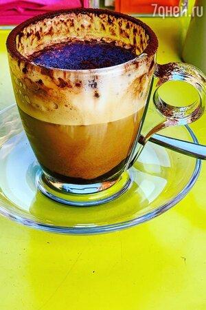 Юлия часто показывает на своей странице чашечки с аппетитным кофе. Но, как оказалось, зависимость от него ей неприятна.