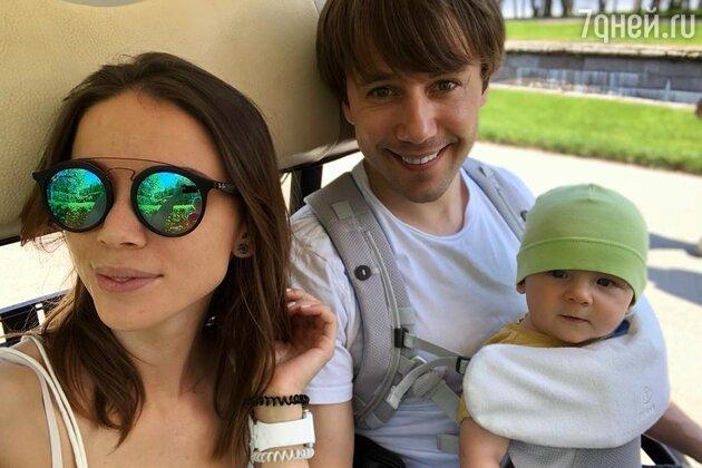 Иван Жидков с Лилией Соловьевой и сыном Степаном