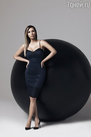 Ким Кардашьян в рекламной кампании  Kardashian Kollection for Lipsy