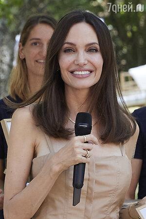 Андежлина Джоли - фото