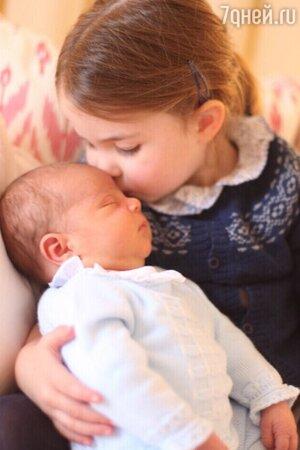 Принцесса Шарлотта с младшим братом