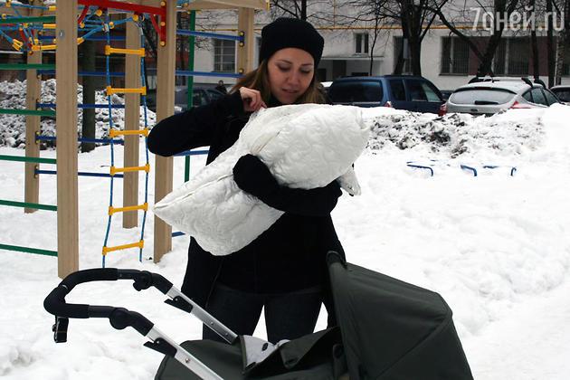 Карина Кокс не может расстаться с дочкой - 7Дней.ру