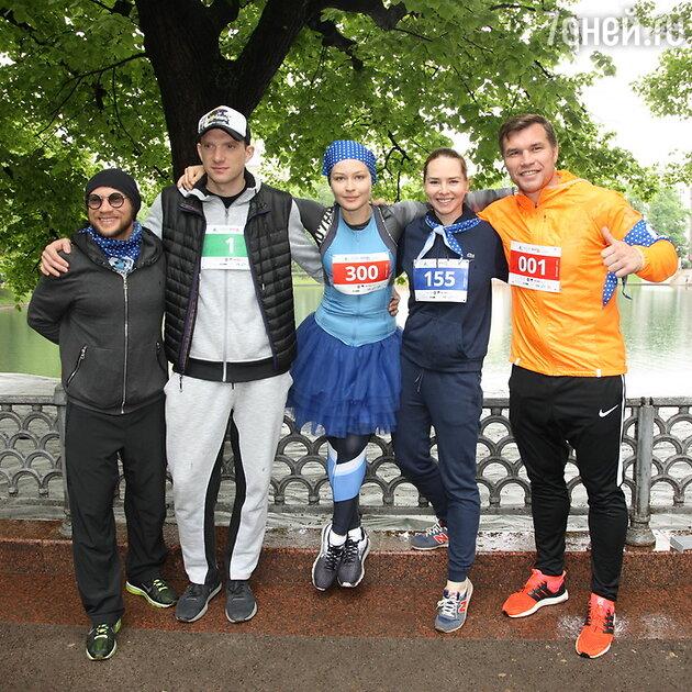 Дмитрий Хрусталев, Андрей Бурковский, Юлия Пересильд, Оля Николаева и Григорий Дрозд