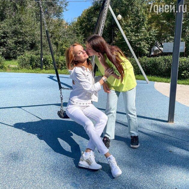 Певица МакSим с дочкой Александрой