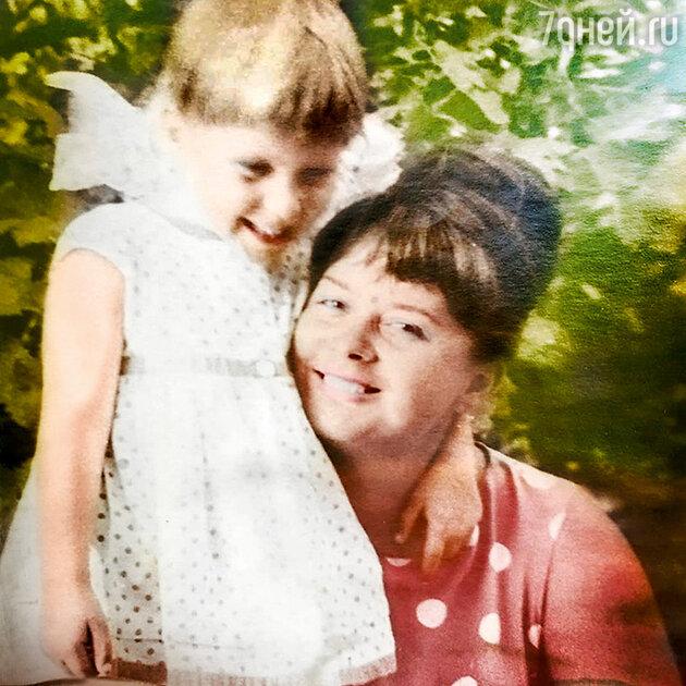 Алена Свиридова с мамой Верой Васильевной
