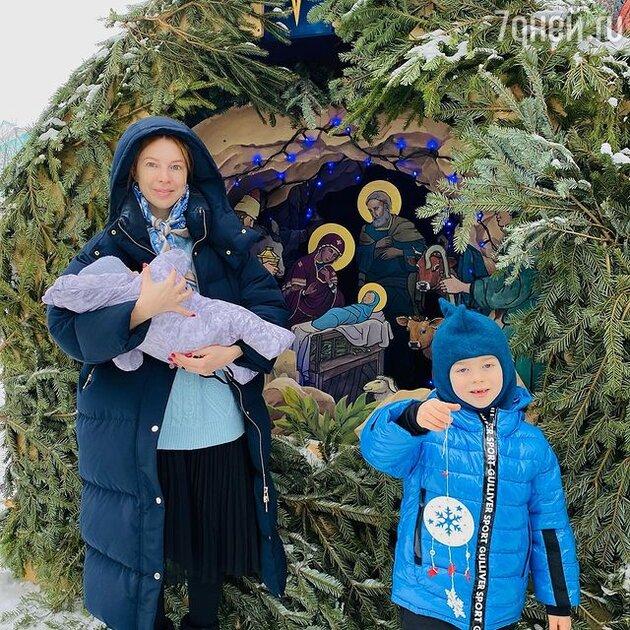 Наталья Подольская с сыновьями — фото